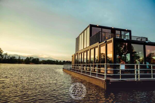 diner on the lake